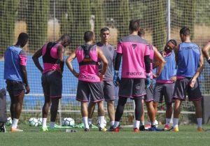 50CB0664-4AC9-4DA6-A3DA-D2720A95DBCE-300x209 El Levante comienza a preparar el partido ante el Espanyol - Comunio-Biwenger