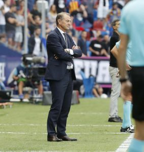 IMG_1821-283x300 Gianni De Biasi deja de ser entrenador del Deportivo Alavés - Comunio-Biwenger