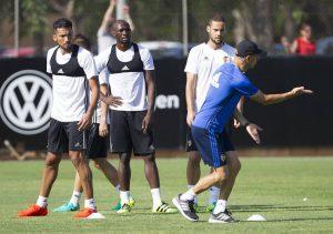 Garay-es-duda-para-jugar-ante-el-Mallorca-300x211 Garay es duda para jugar ante el Mallorca - Comunio-Biwenger